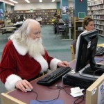 Santa_on_computer
